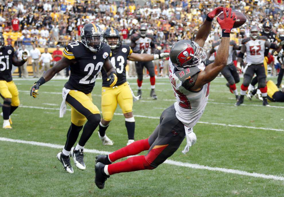Quarterback Mike Glennon, Bucs rally late to stun Steelers 27-24 _lowres