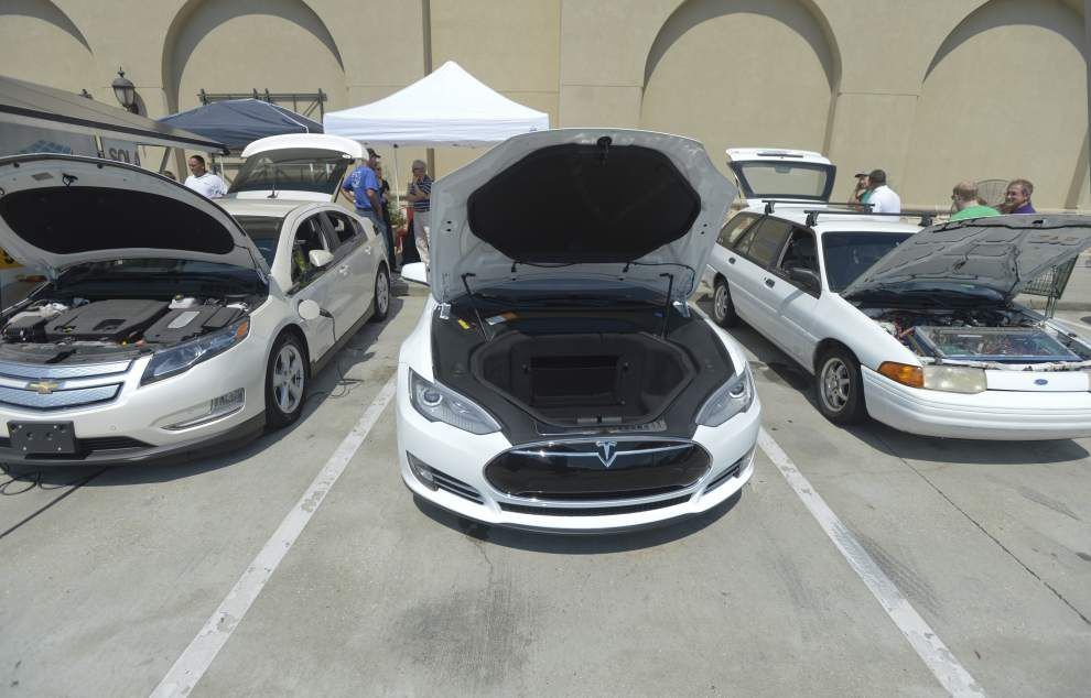 Baton Rouge area residents check out electric vehicles at event _lowres