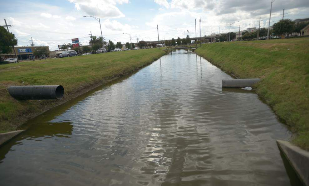 Fountains, landscaping to beautify Veterans Blvd. canal _lowres