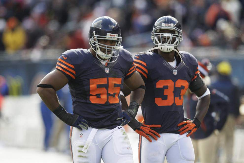 Should the Saints sign veteran linebacker Lance Briggs? Sports Illustrated says the two would be a good fit _lowres