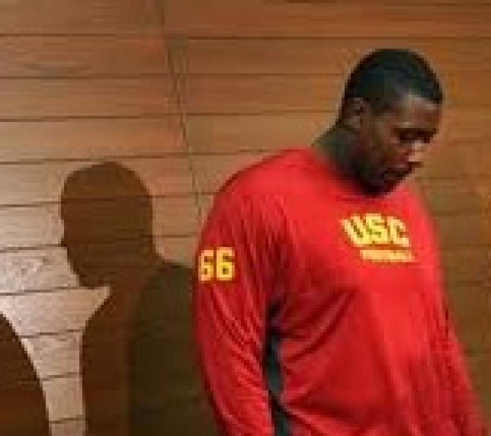 Report: USC center Martin visited Saints _lowres