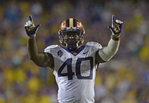 Former LSU linebacker Devin White named male winner of 2018-19 Corbett Award