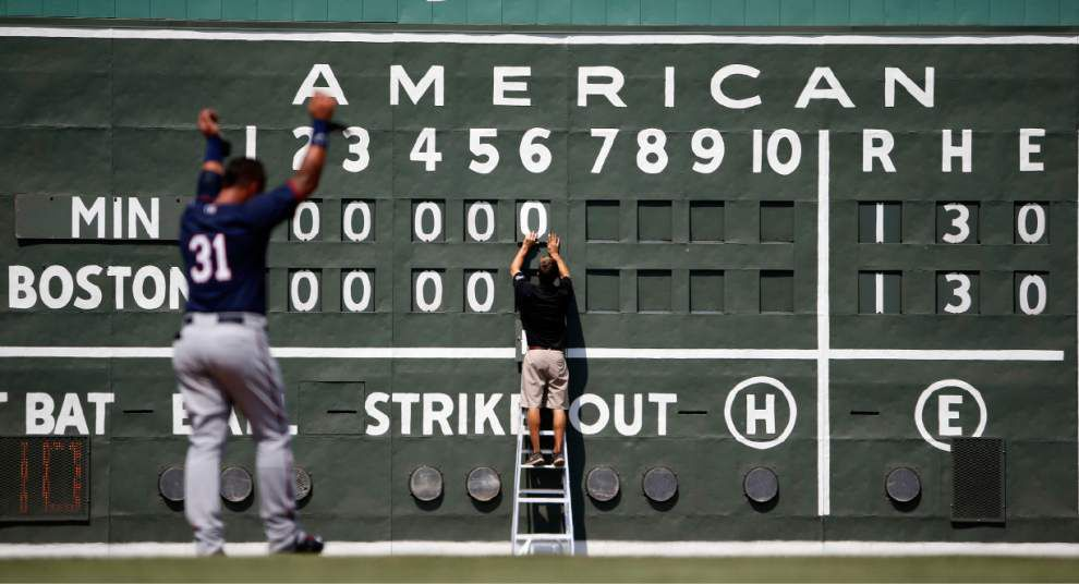 MLB tweaks its schedule for the final day of the regular season _lowres