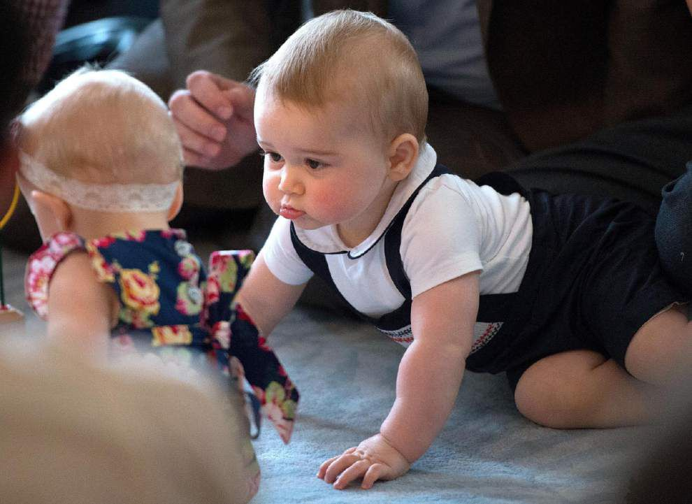 UK royals issue warning over Prince George pics _lowres