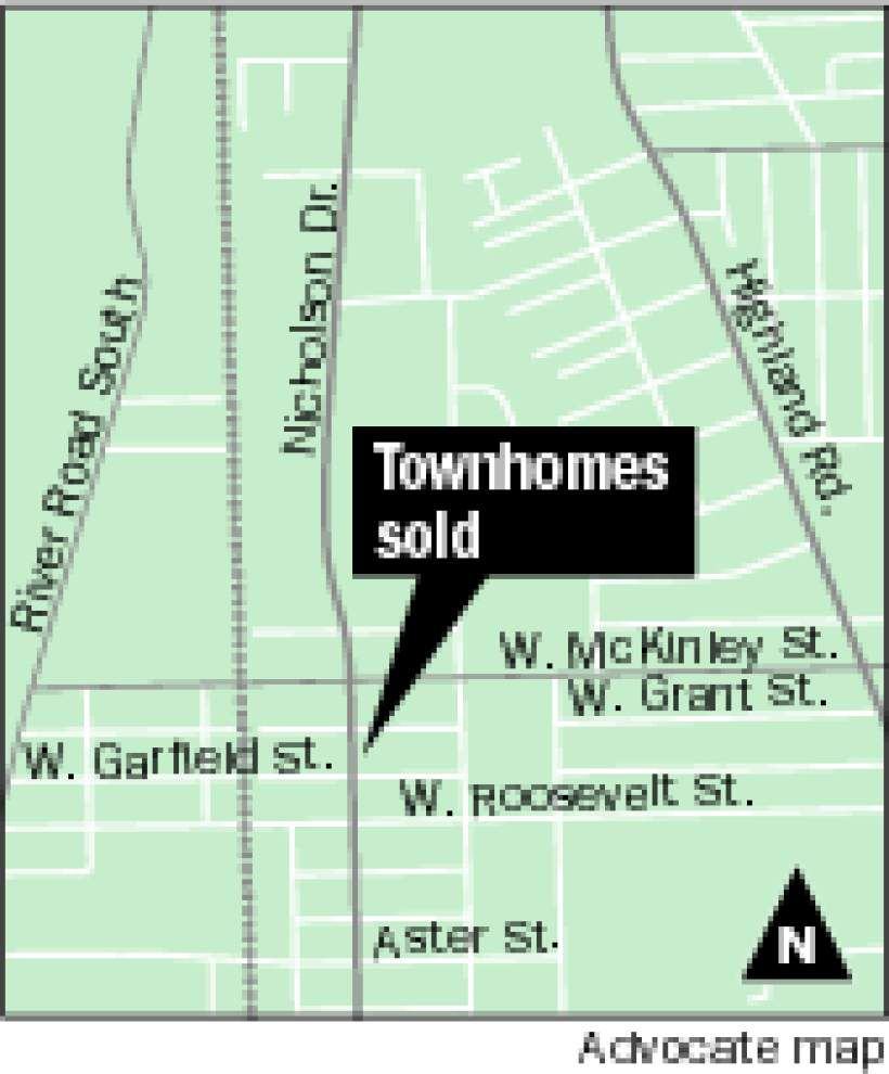 Nicholson townhomes sold for $702,000 _lowres