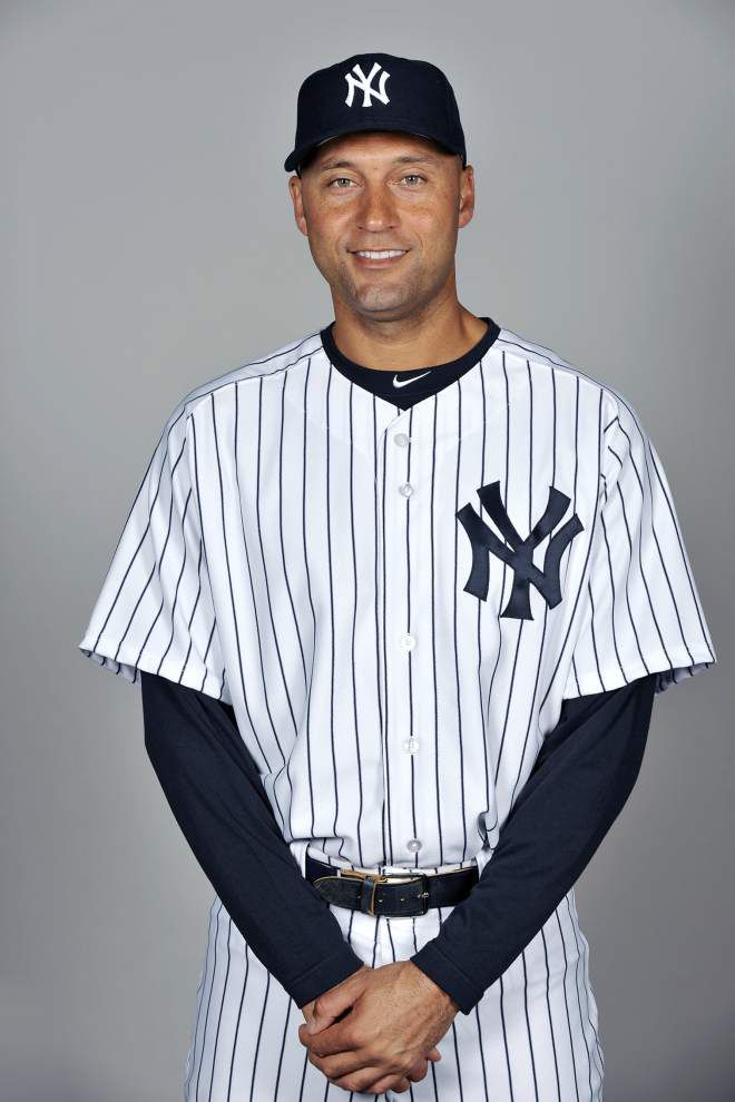 Derek Jeter leaves with hit and 9-5 win over Red Sox _lowres