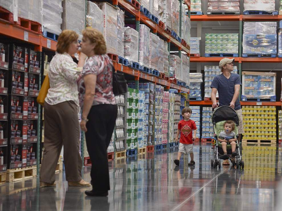 Costco store draws a crowd to pre-opening preview _lowres
