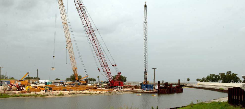 Workers begin installing permanent pumps on New Orleans canals _lowres