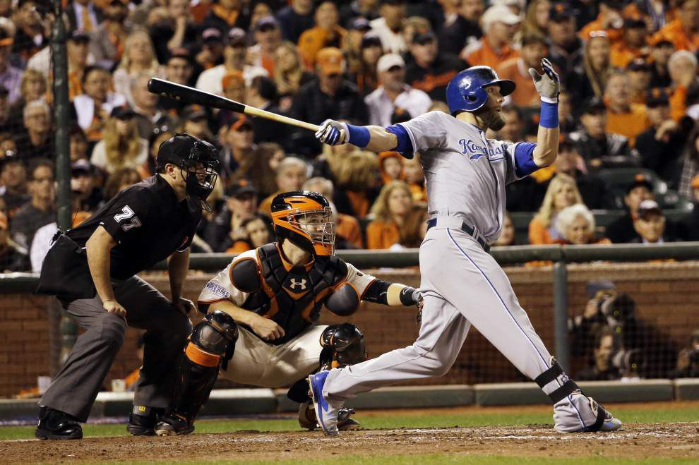 Royals stifle Giants 3-2 to take 2-1 lead in the World Series _lowres
