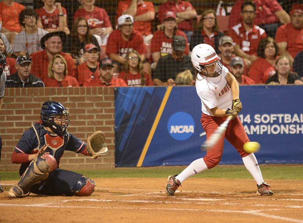 Ragin' Cajuns softball team figures to experience a super regional-style atmospehere at Oregon _lowres