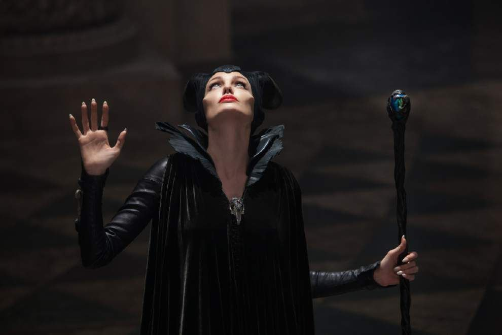 Review: Jolie's a fun hero-villain in 'Maleficent' _lowres