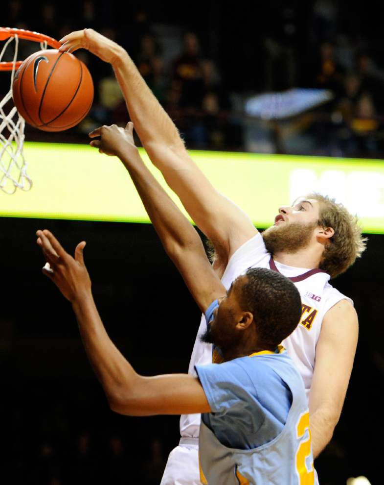 Andre Hollins leads Minnesota to 85-57 victory over Southern _lowres