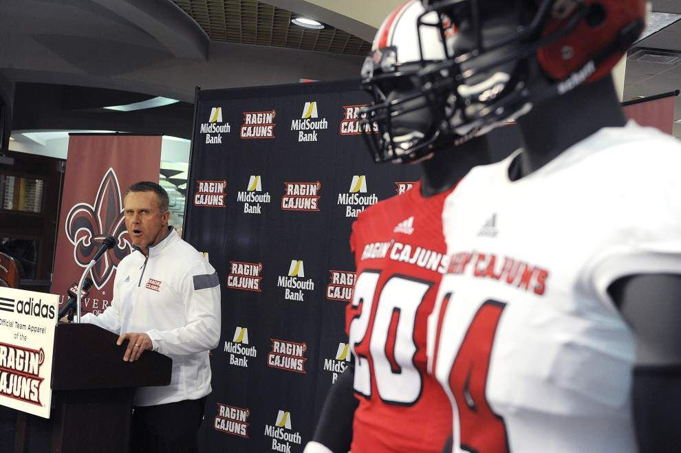 UL-Lafayette unveils new football uniforms, supplier _lowres
