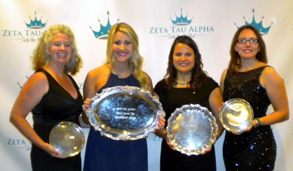 Zeta Tau Alph alumnae and collegian attend convention in Los Angeles _lowres