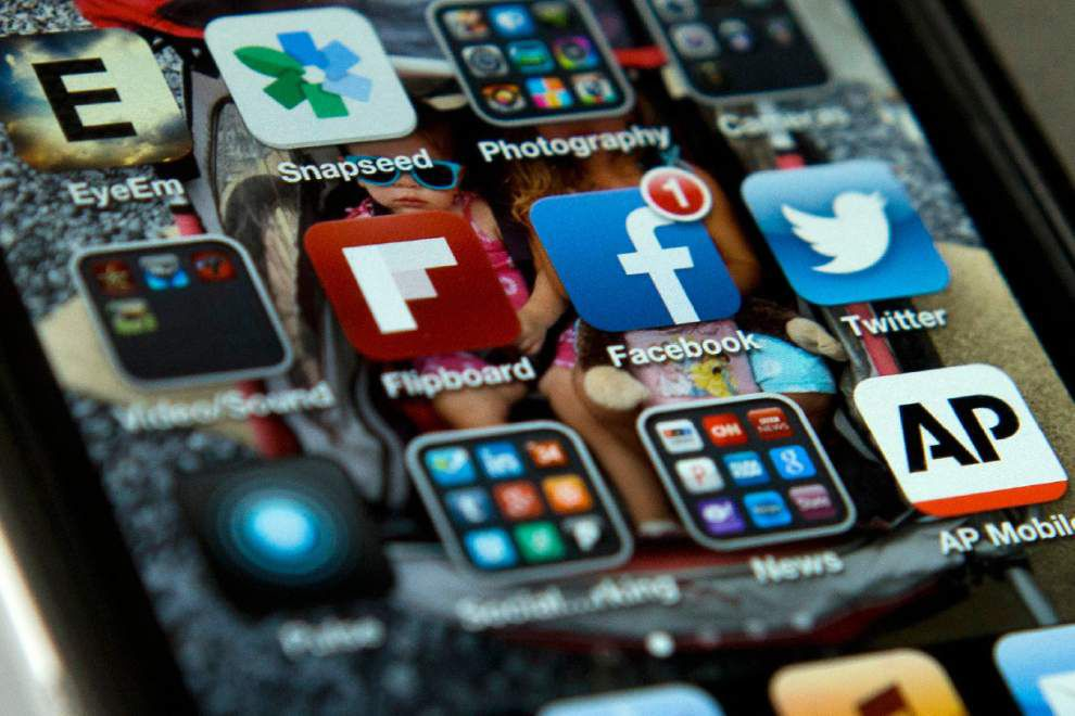 Study: Social media users shy away from opinions _lowres
