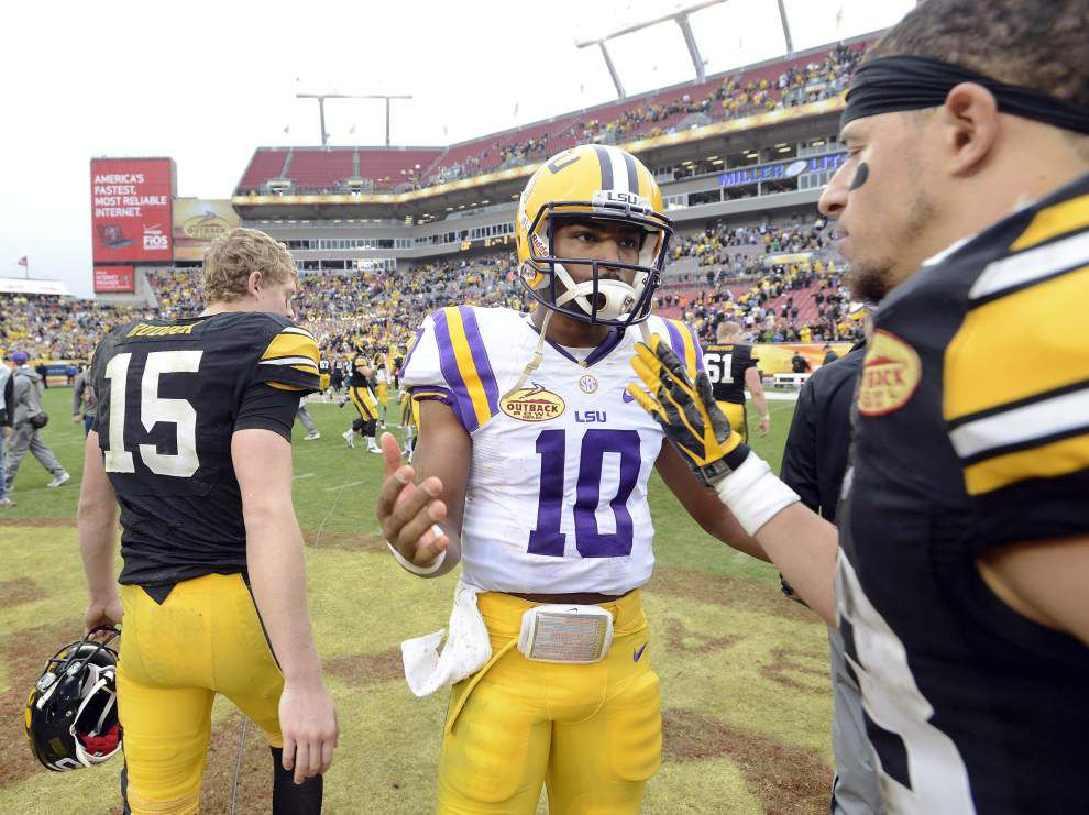 LSU football and baseball chat with Advocate sportswriter Ross Dellenger, Tuesday at 1 p.m. _lowres