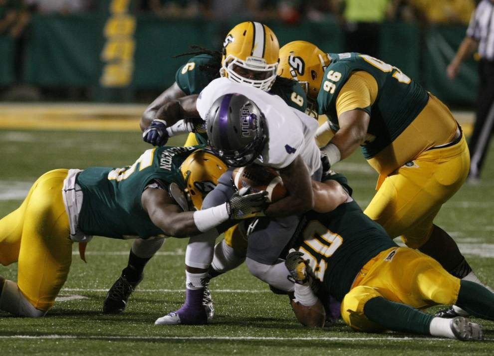 Southeastern surges past Central Arkansas _lowres