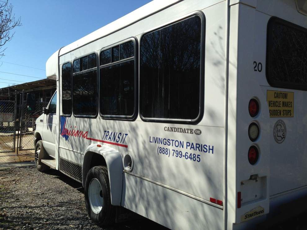 COA donates van to Denham animal shelter _lowres