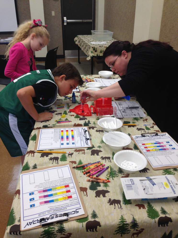 Science Saturday engages youths at library _lowres