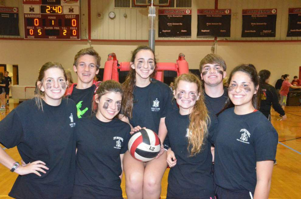 Volleyball tournament raises money for charity _lowres