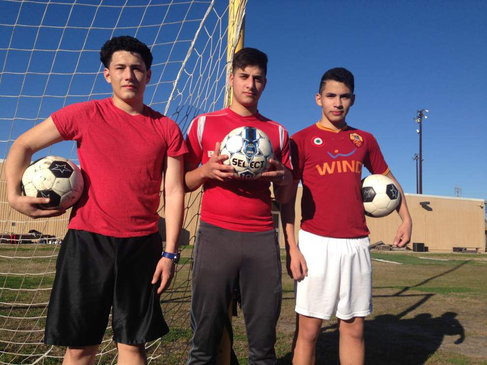 Bonnabel soccer team thinking big picture _lowres