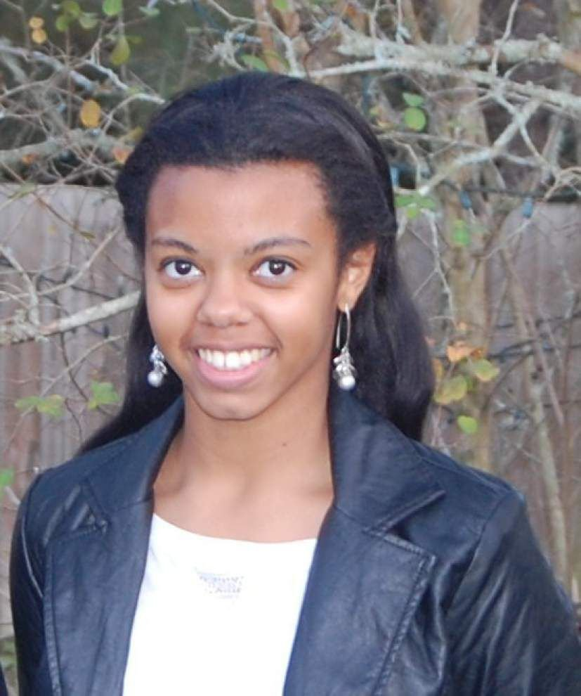 Local teen receives national scholarship _lowres