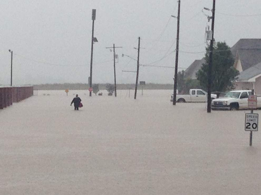 Ascension, surrounding parishes managing high water _lowres