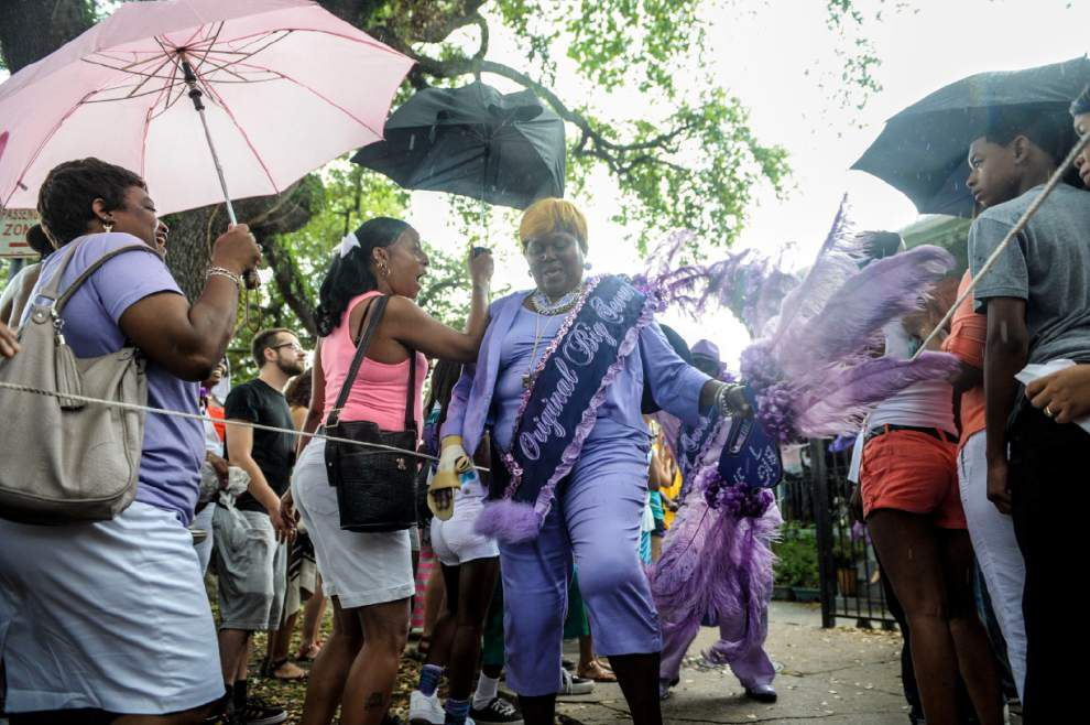 Water, not bullets, rains down on 2014 Mother's Day parade _lowres