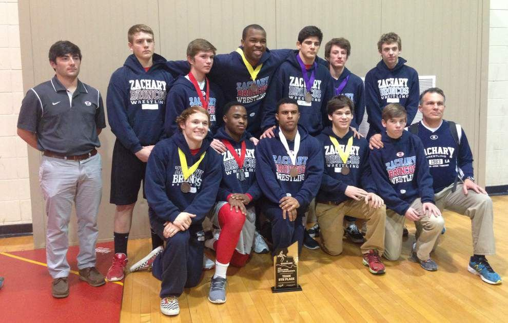 Wrestlers win trophy, head to state meet _lowres