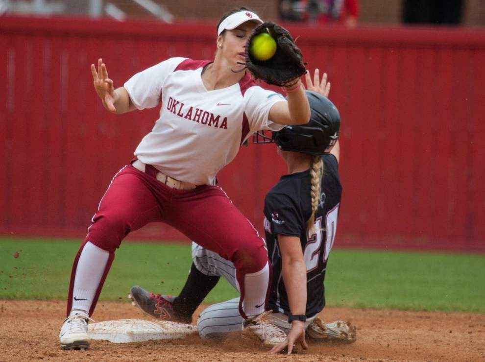 Young Ragin' Cajuns softball team starting to mature _lowres