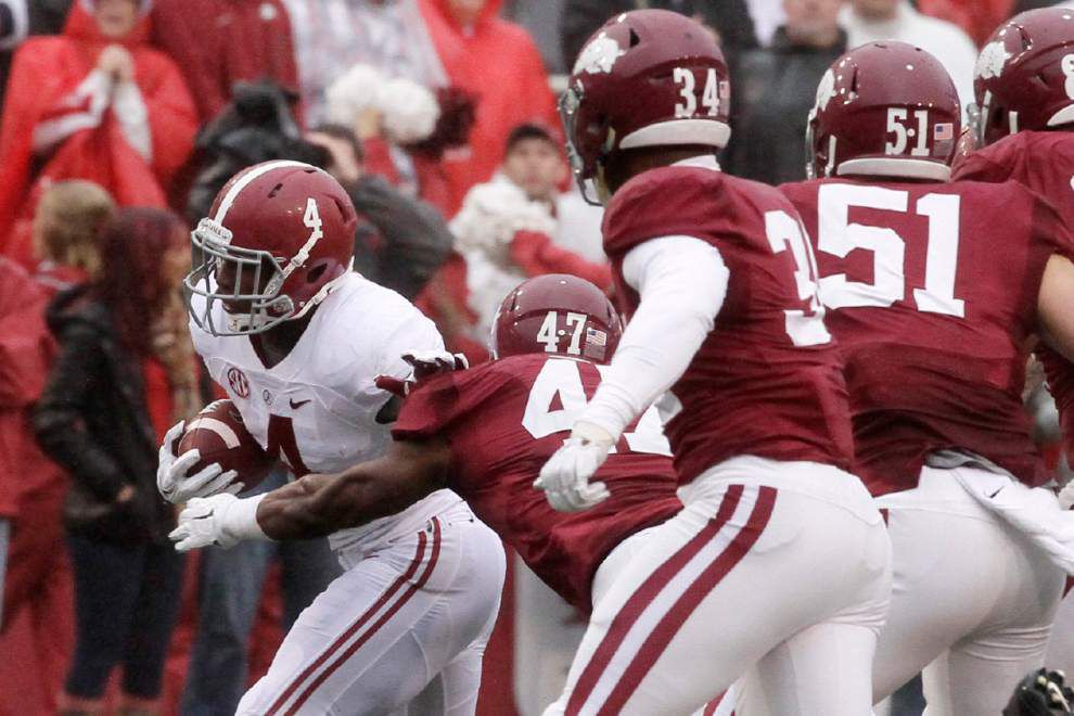 Arkansas defensive coordinator Robb Smith, linebacker Martrell Spaight lead improved defense _lowres