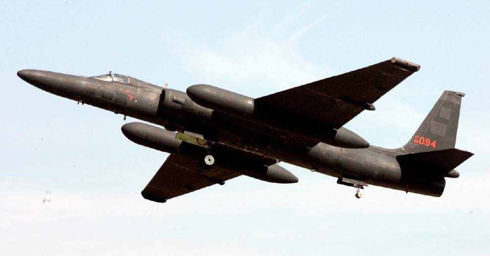 Spy plane outlasts Cold War, but not defense cuts _lowres