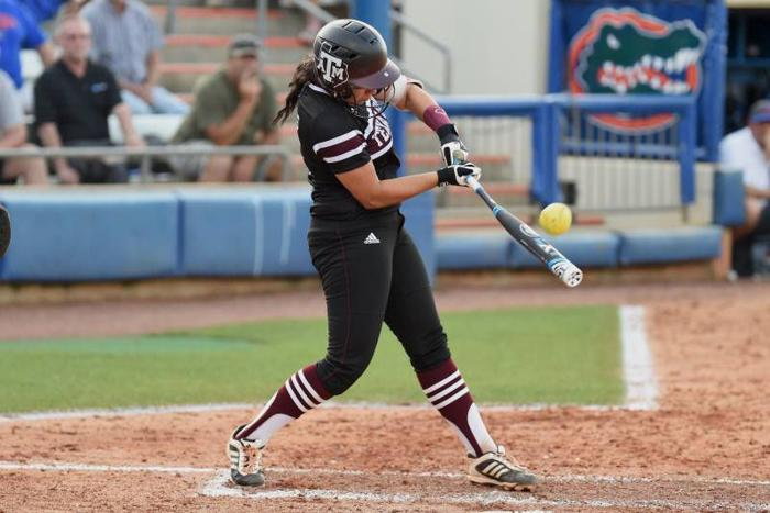 No. 1 Florida completes sweep of A&M softball in a 9-1 run-rule loss