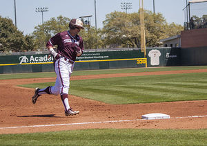 Big first inning, Kyle Simonds lead A&M to SEC semi-finals
