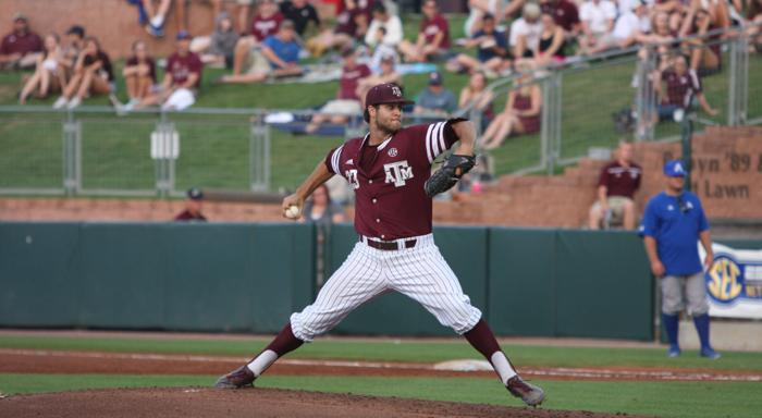 No. 2 Aggies split Saturday doubleheader with Arkansas