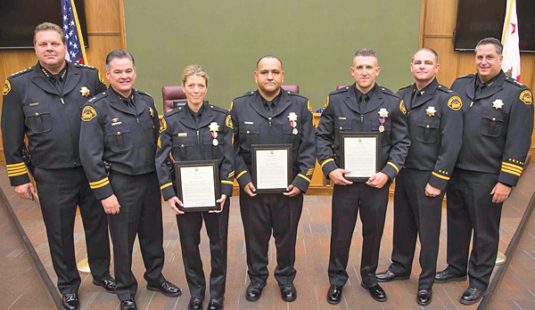 oakley law enforcement discount 881o  Oakley police officers receive the silver medal of honor