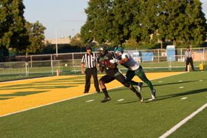 Warrior football looks to beat Findlay, move to 5-1