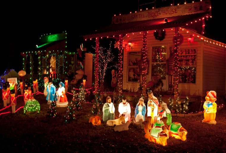 The Wrights' Christmas Lights