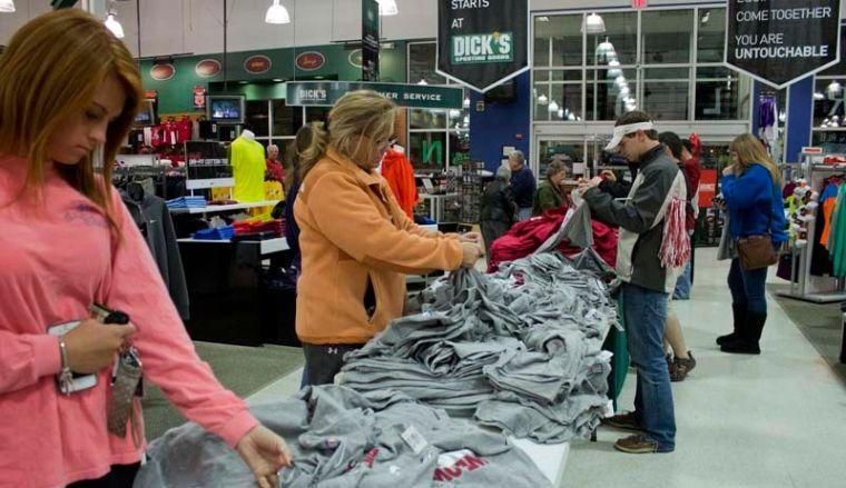 Fans buy Alabama gear after national championship win