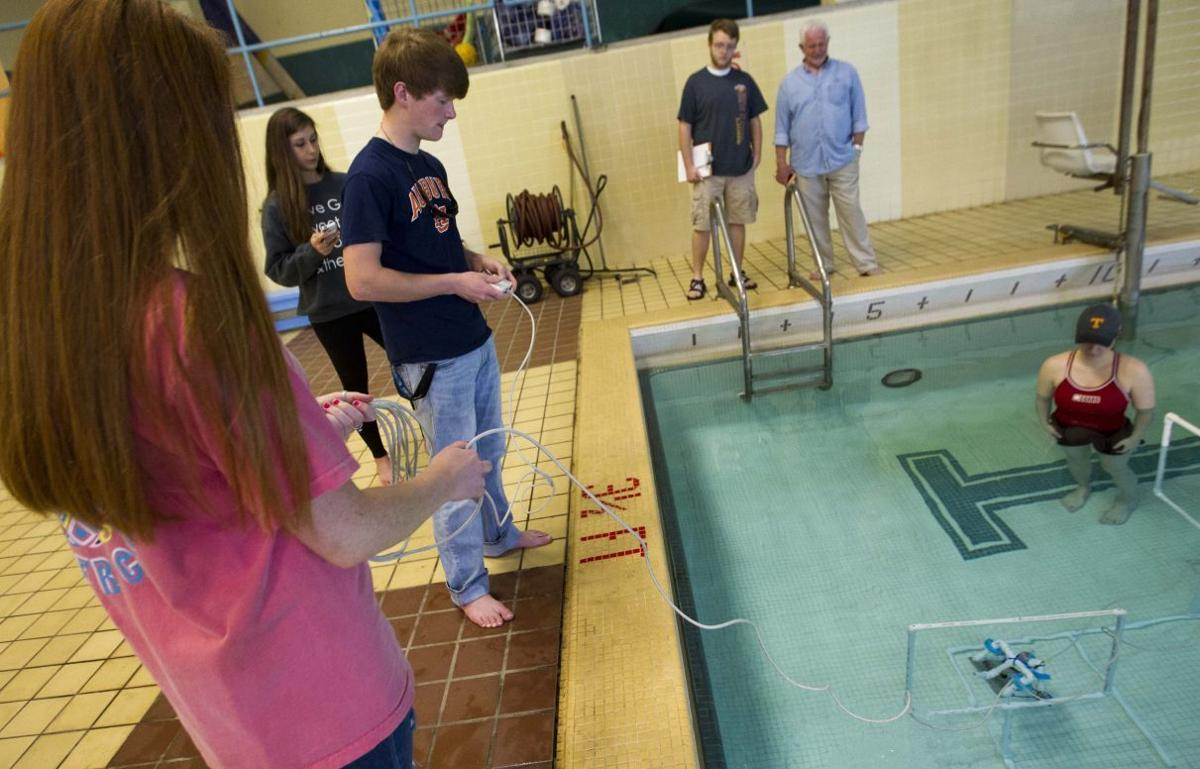 Robots Take A Swim At Una Education