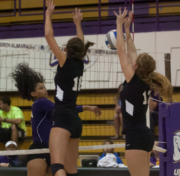 Chapter 4 At Rollins College: UNA Volleyball Vs Rollins College