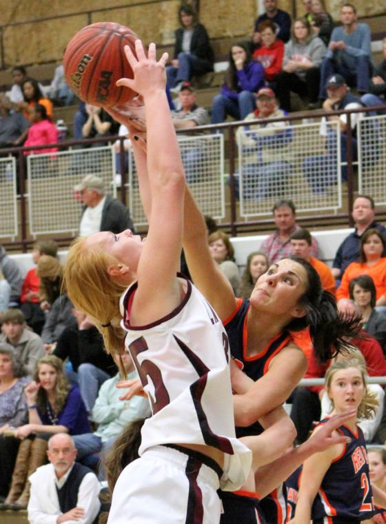 Lauderdale County wins Christmas Tournament
