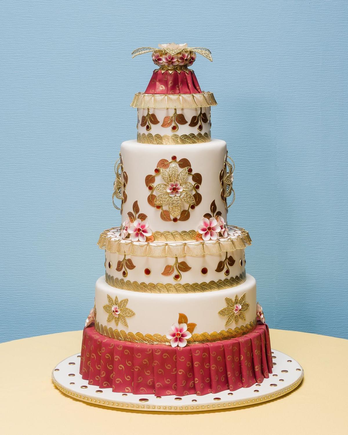 Wedding Dress Cake Earns Top Honors At Grand National