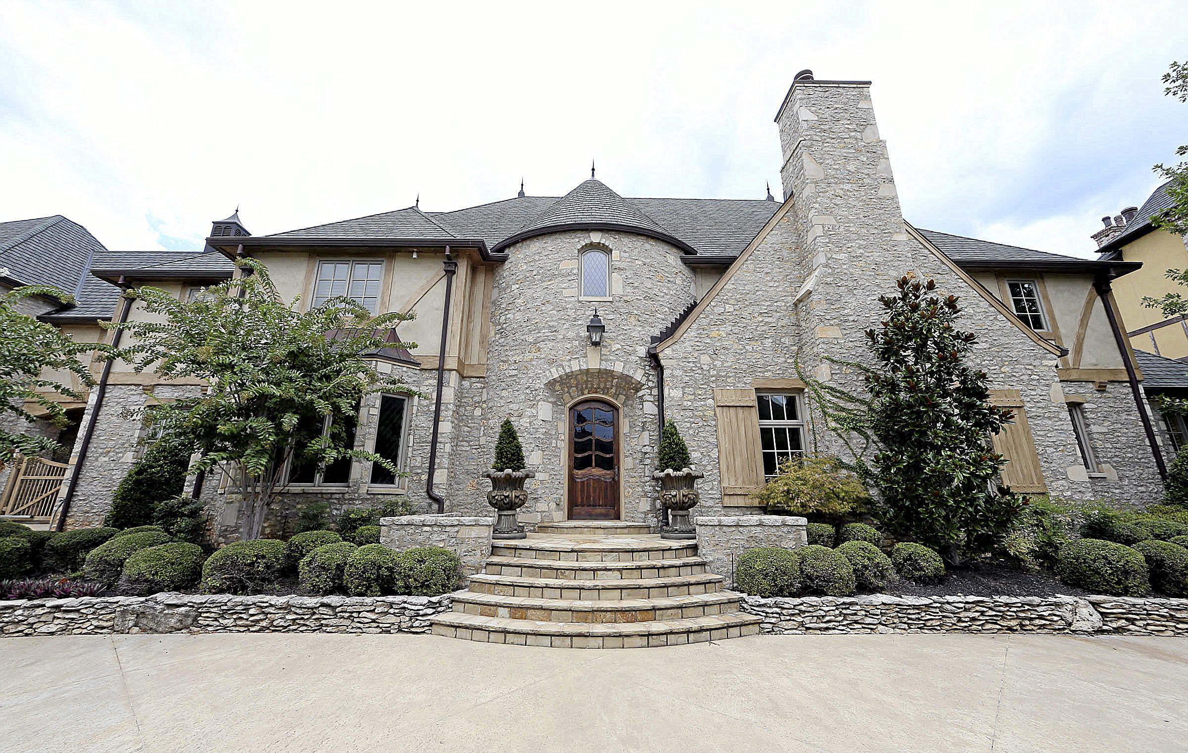 Photo Gallery Big Homes Extravagant Features