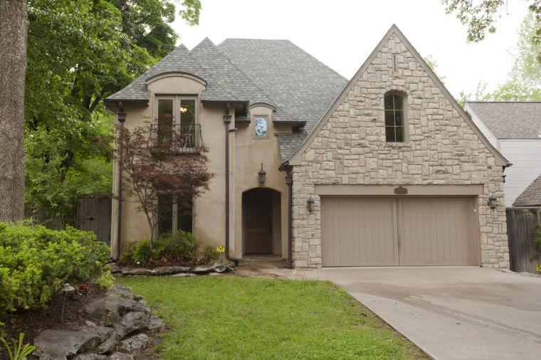 Delicious design distinctive south tulsa home highlights for House plans tulsa