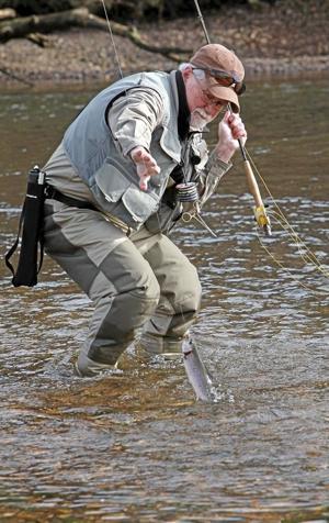 Kelly bostian project healing waters helps veterans for Healing waters fly fishing