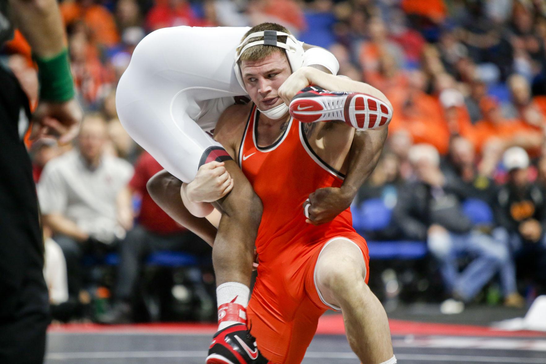 Five Missouri wrestlers advance to quarterfinals at NCAA wrestling championships