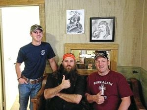 Oklahoman gives church pew to 'Duck Dynasty' family