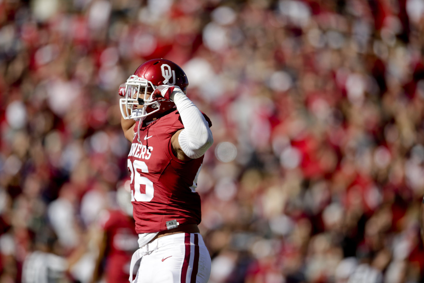 Mayfield leads No. 9 Oklahoma past No