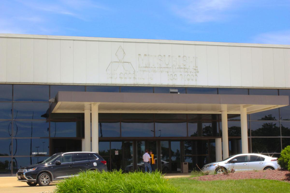 Rivian automotive buys mitsubishi plant news for Mitsubishi motors bloomington il